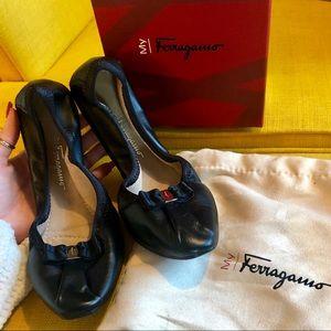 Salvatore Ferragamo Napa Flex Calf Flat, size 8.5